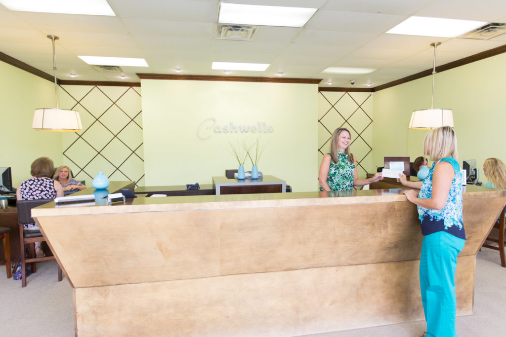 Cashwells Title Pawn - Manchester Expressway - Columbus, GA - welcome desk